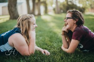 best friend Senior pictures in Nampa Idaho