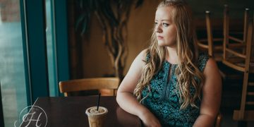 Senior pictures Nampa Idaho Coffee shop senior inspiration