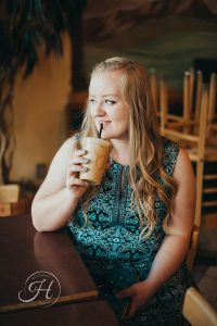 Senior pictures Nampa Idaho coffee shop senior photo inspiration