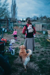 unique family photos lifestyle photography Los Angeles Idaho farm life