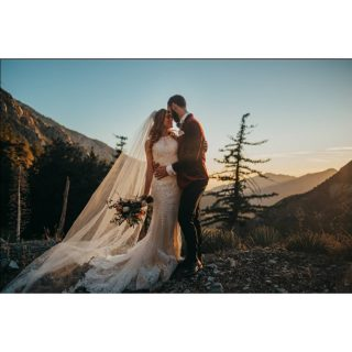 """Story writers say that love is concerned only with young people, and the excitement and glamour of romance end at the altar. The best romance is inside marriage; the finest love stories come after the wedding, not before."" -Irving Stone Got to end the year with this... #ilovemyjob #mountbaldy #wow #shotoftheday #bride #groom #littlethingstheory #sbsn #somethingborrowedsomethingnew #veil #socalphotographer #weddingpics #winterwedding #weddinggoals #thatdresstho"